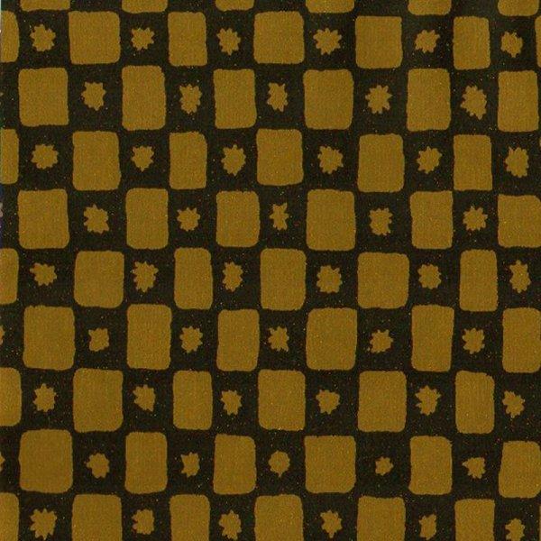 c124 黄土色